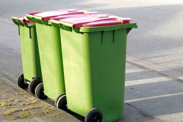garbage-can-270679_640