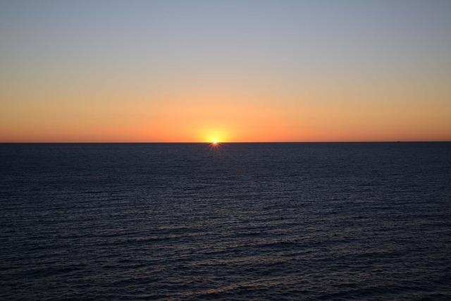 sunrise-320079_640